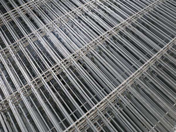 A close up picture of welded wire mesh bench top.